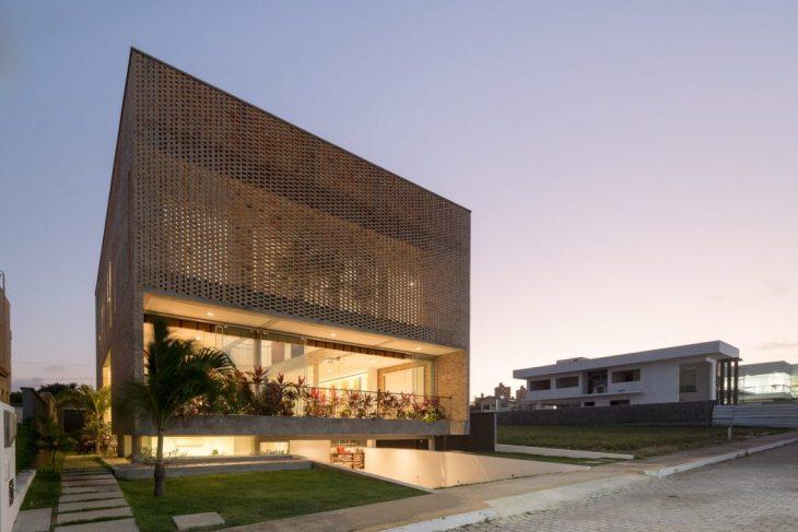 KS House by Arquitetos Associados (20 pics)