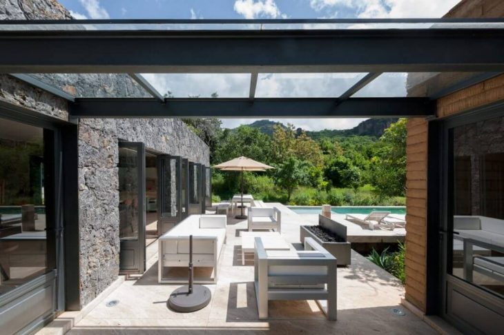 Mozoquila House by Vieyra Arquitectos