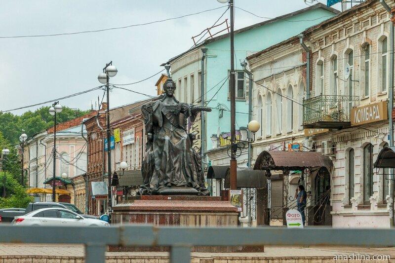 Памятник Екатерине Великой, Вышний Волочек
