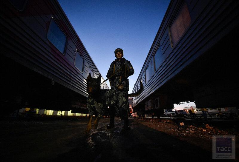 На пути в колонию: как во Владивостоке конвоируют осужденных и находящихся под стражей