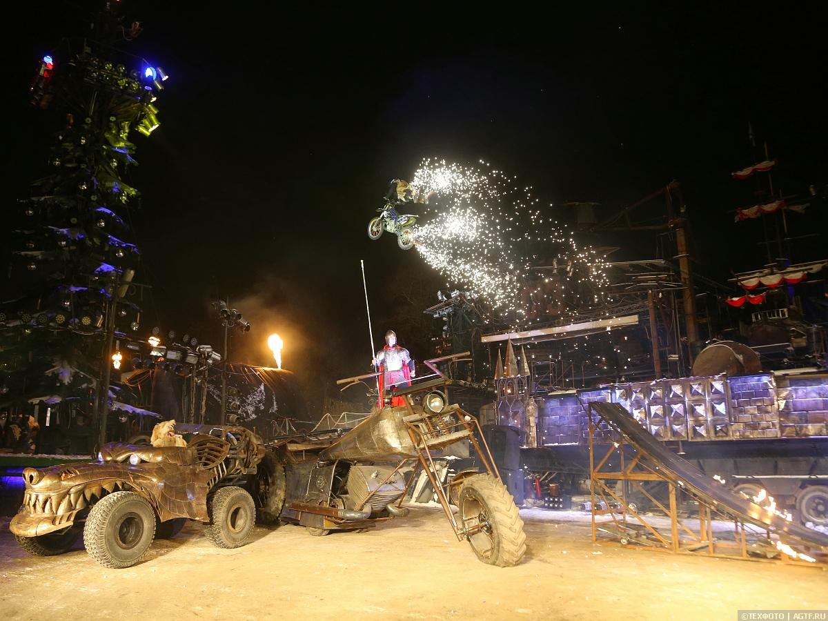Новогоднее представление в байк-центре «Ночные волки».