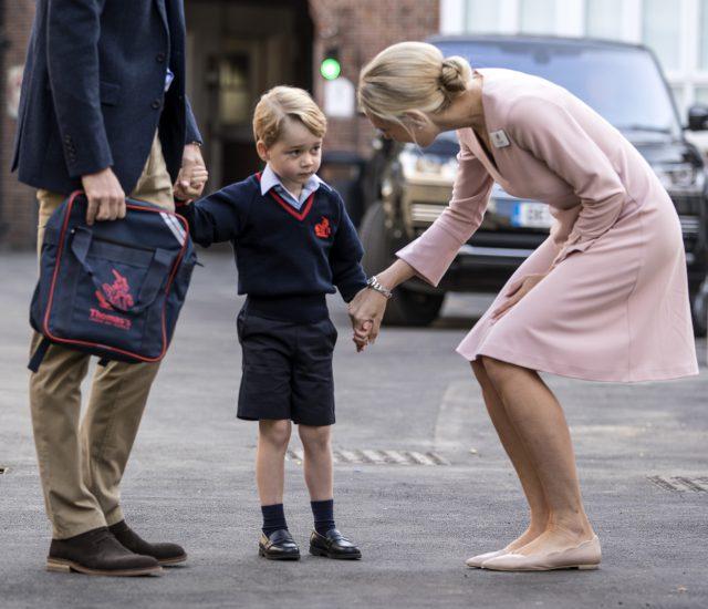 Первый день принца Джорджа в младшей школе.