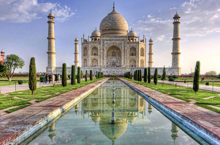 Aladdin – Taj Mahal, Agra, India.