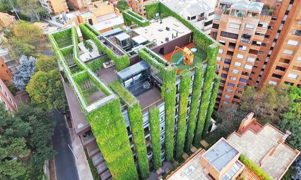 Mind-Blowing Vertical Garden in Bogota (5 pics)