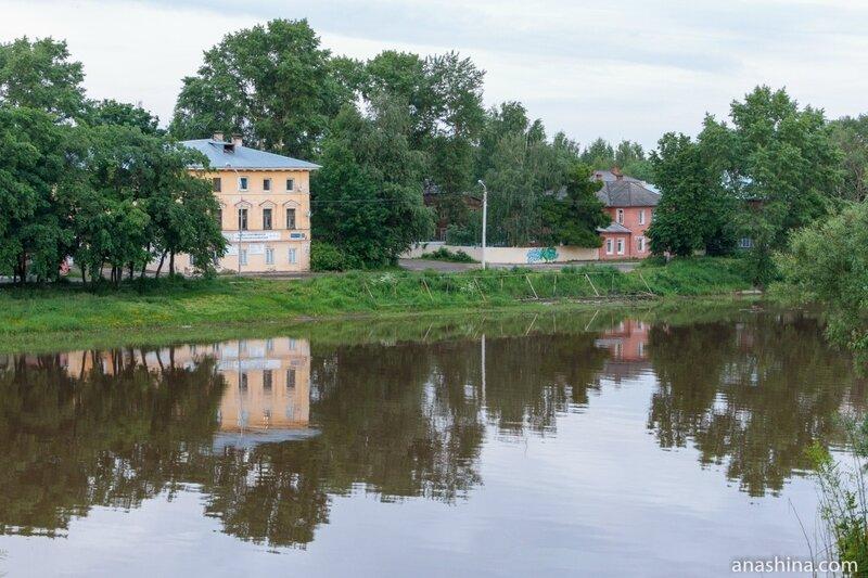 Дома по Набережной 6-й Армии, Вологда