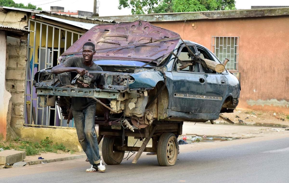 Мы поедем, мы помчимся: Африканский двухколесный авто
