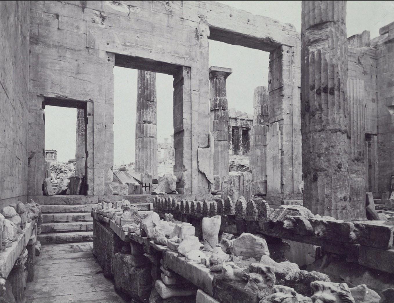 Акрополь. Эрехтейон, Пропилеи и храм Ники Аптерос