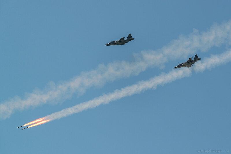 Сухой Су-25СМ (RF-92258 / 12 синий) ВКС России 243_D801275a