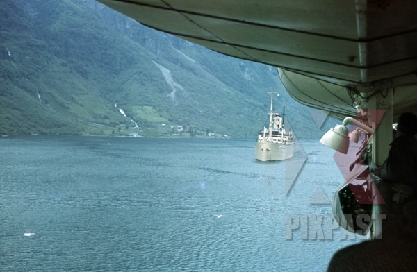 stock-photo-ww2-color-kdf-ship-der-deutsche-sailing-norwegian-fjord-1939-tourists-holiday-norway-8159.jpg