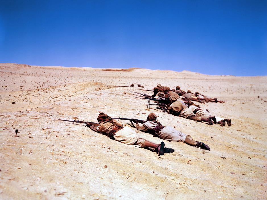 Wonderful Colour Photographs of World War II by Robert Capa (29).jpg