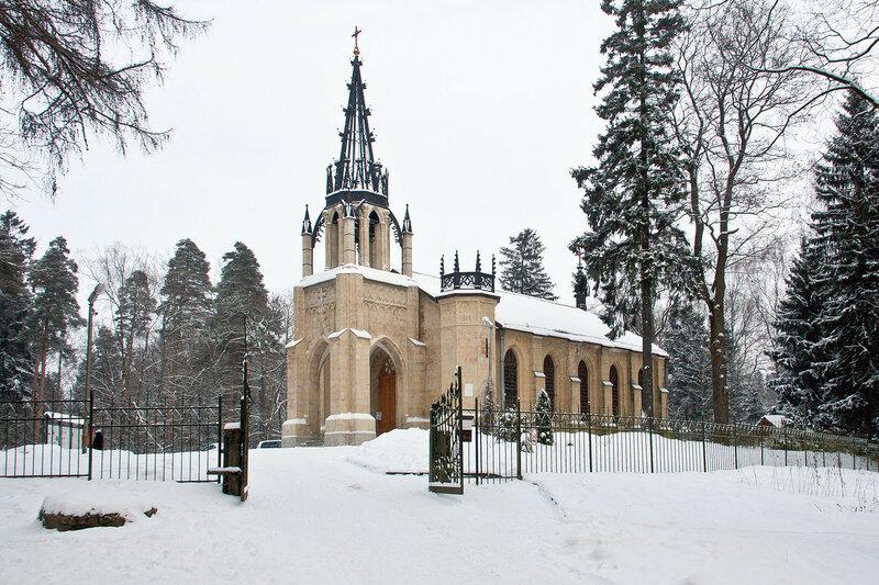Церковь святых апостолов Петра и Павла в п.Парголово (Шуваловский парк) Санкт-Петербург