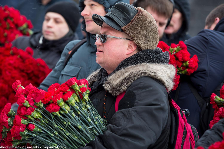Москва торжественно помянула Сталина (фото) GA8A9919.jpg