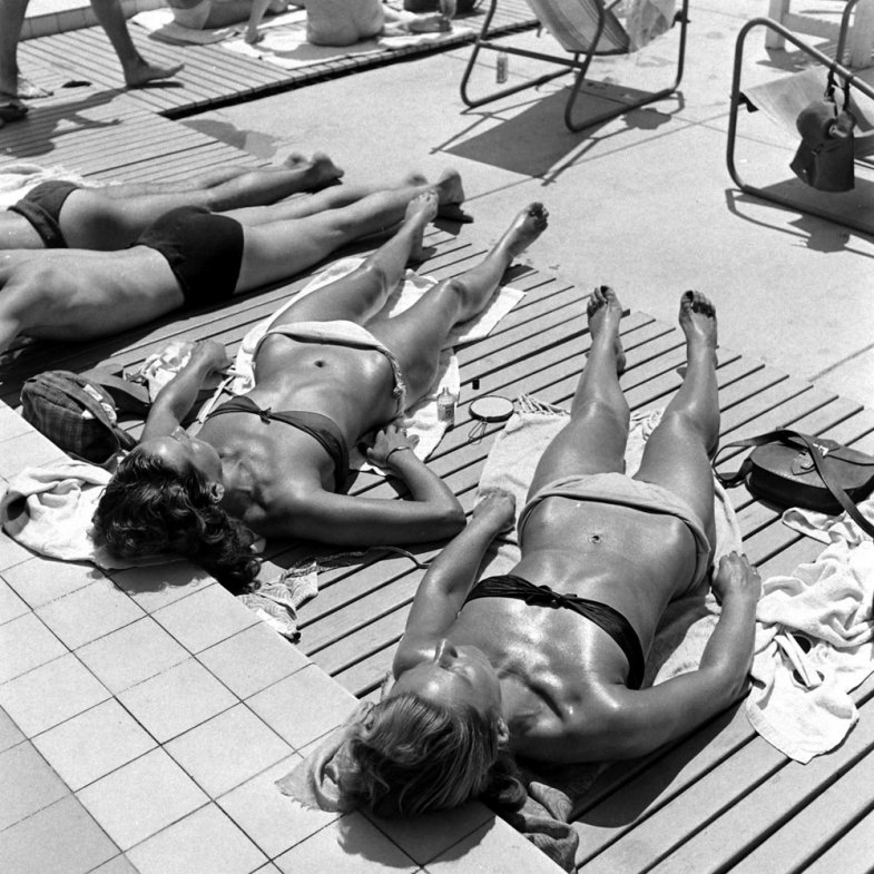 10. На пляже во Франции, 1945 г. (Ralph Morse—Time & Life Pictures/Getty Images)
