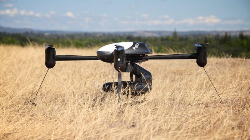Draganflyer X4-ES оснащен 21-мегапиксельной камерой. Управление камерой и подвесом осуществляется ди