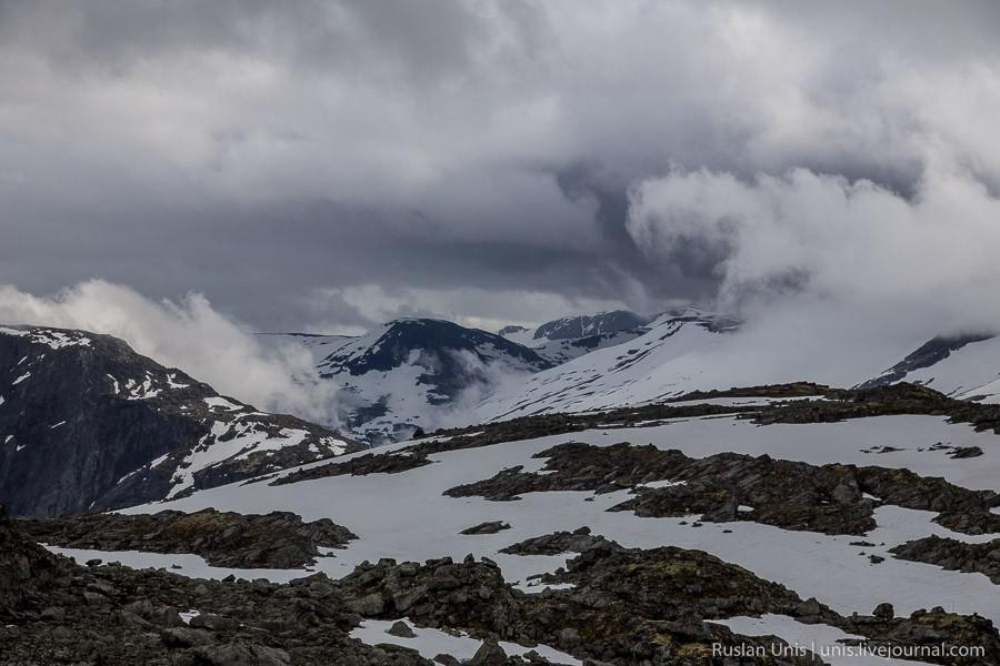 21. Туман и тучи создавали атмосферу той самой Норвегии, которая была в моих представлениях об этой