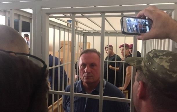 Ефремов останется под стражей еще надва месяца