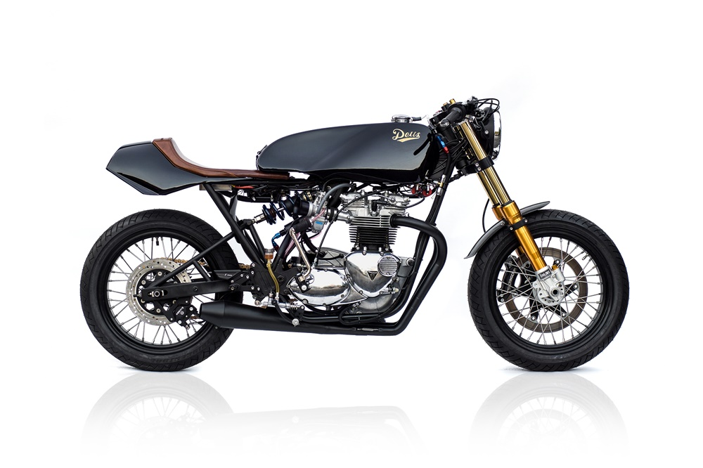 Deus Customs: кафе рейсер Triumph T140