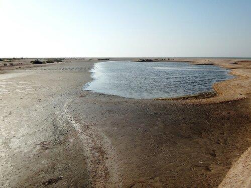 Озерко в песках ... 37. Фото из велокольца. Ахтари-Староминская-Бейсугский пролив (225).JPG