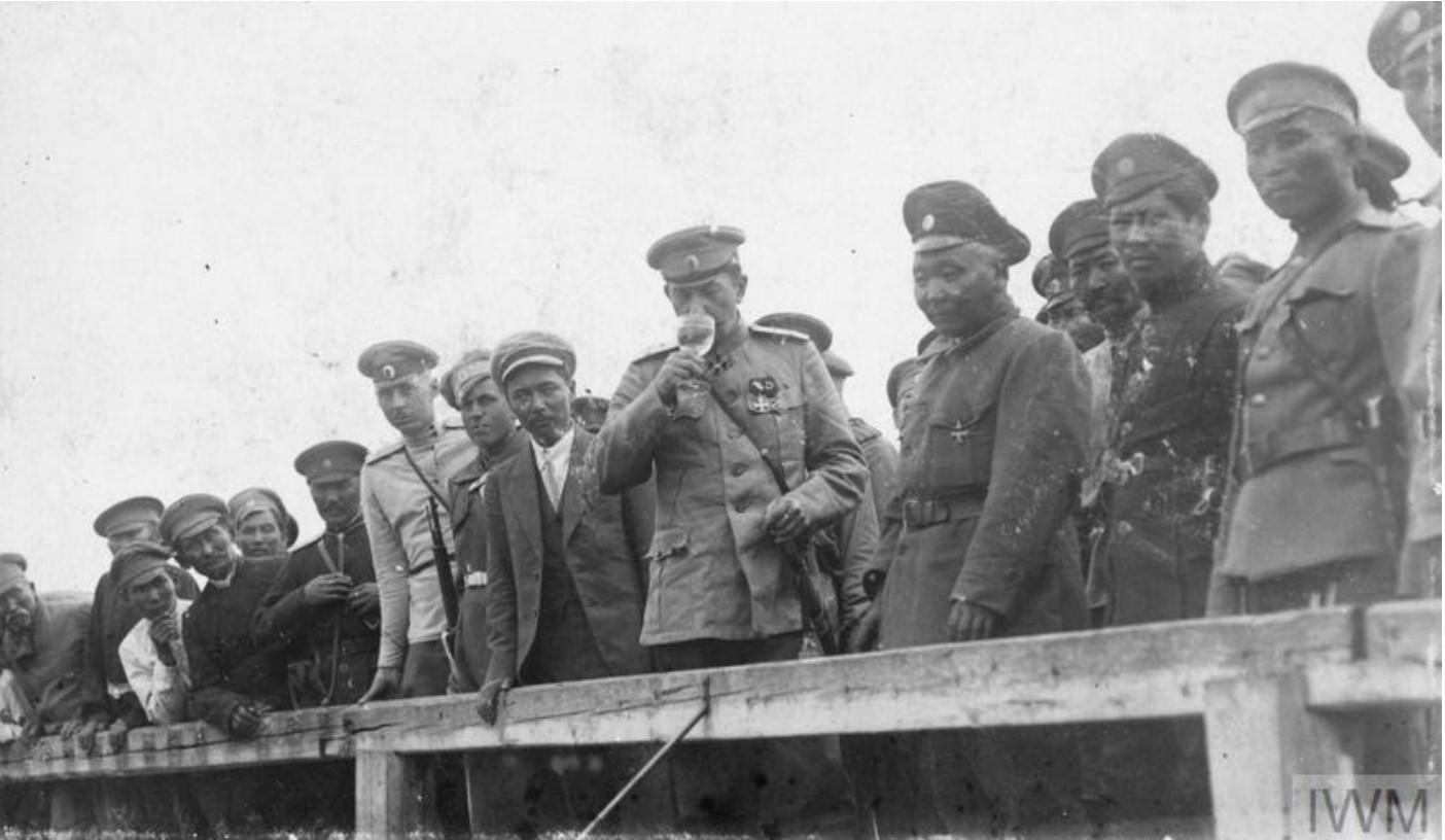 Генерал Африкан Петрович Богаевский, атаман донских казаков, с калмыками, лето  1919