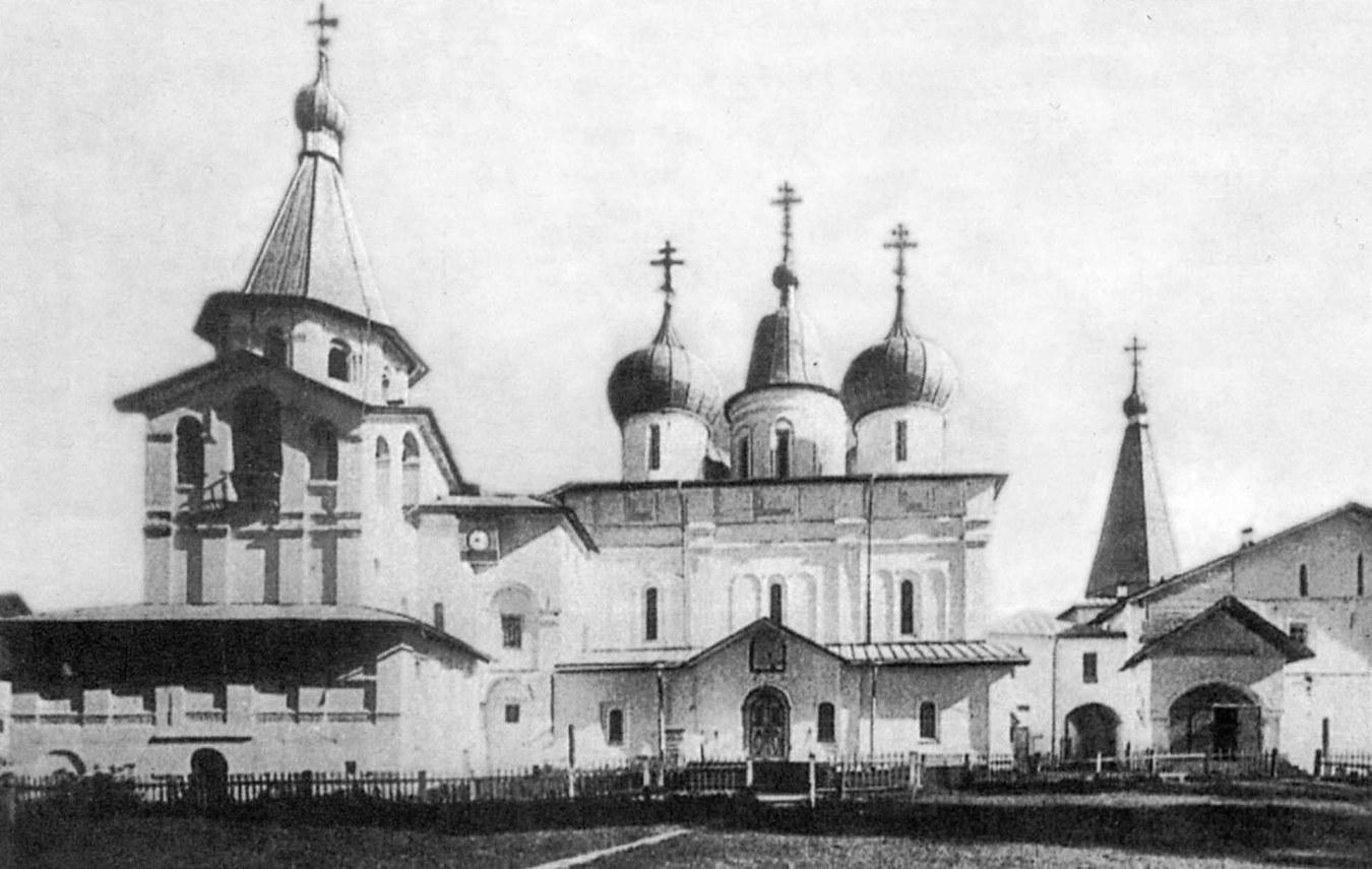 Окрестности Холмогор. Вид на центральный ансамбль Антониево-Сийского монастыря