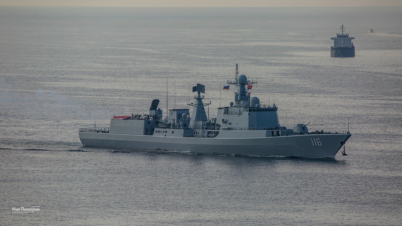 """Корабли ВМФ НОАК прибыли во Владивосток для участия в учениях """"Морское взаимодействие"""""""