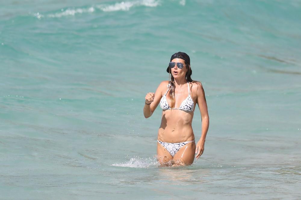 Хайди Клум отдыхает на Карибах