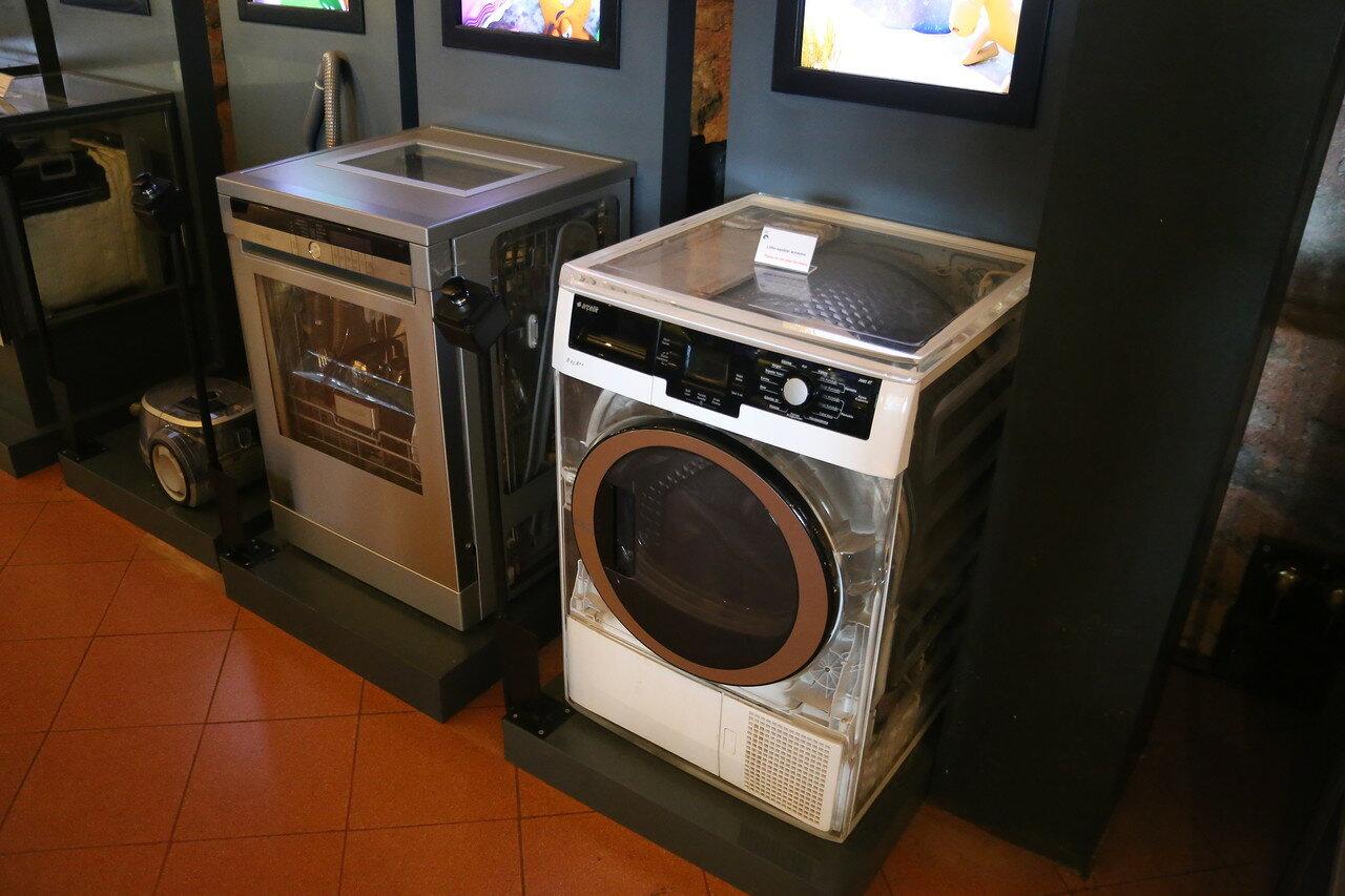 Стамбул. Музей Рахими Коча. Устройство стиральной и посудомоечной машин
