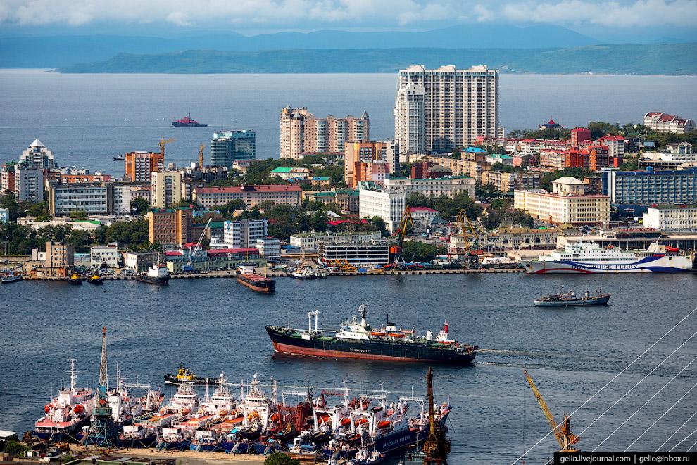 4. Символами современного Владивостока стали большие мосты, построенные к саммиту АТЭС-2012.