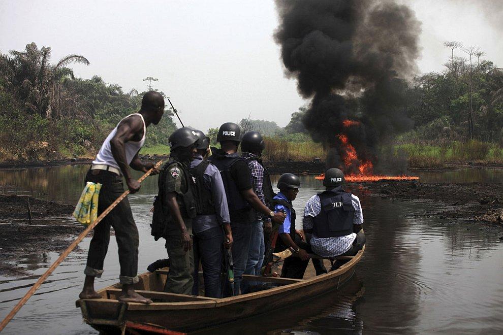 Природа в этих местах Нигерии выглядит удручающе. (Фото Akintunde Akinleye   Reuters):