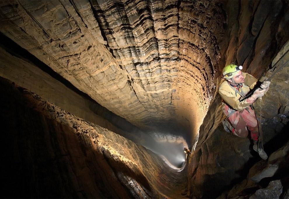 700 метров    33 горняка оказалось под завалами в результате обрушения
