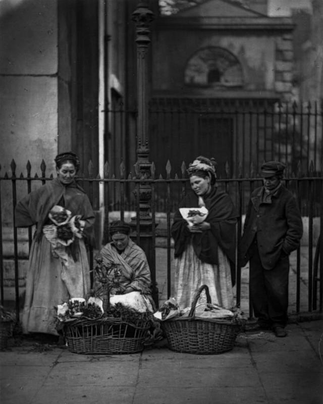 Цветочницы на рынке Ковент-Гардена.