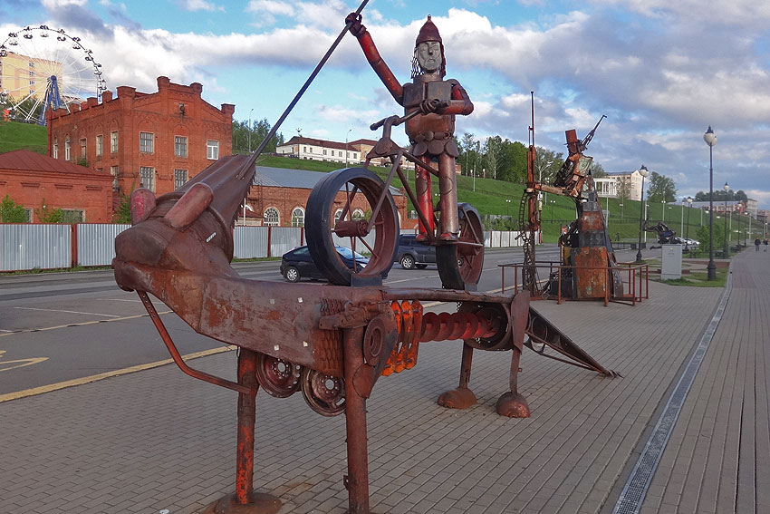 izh_streetsculpture_08.jpg