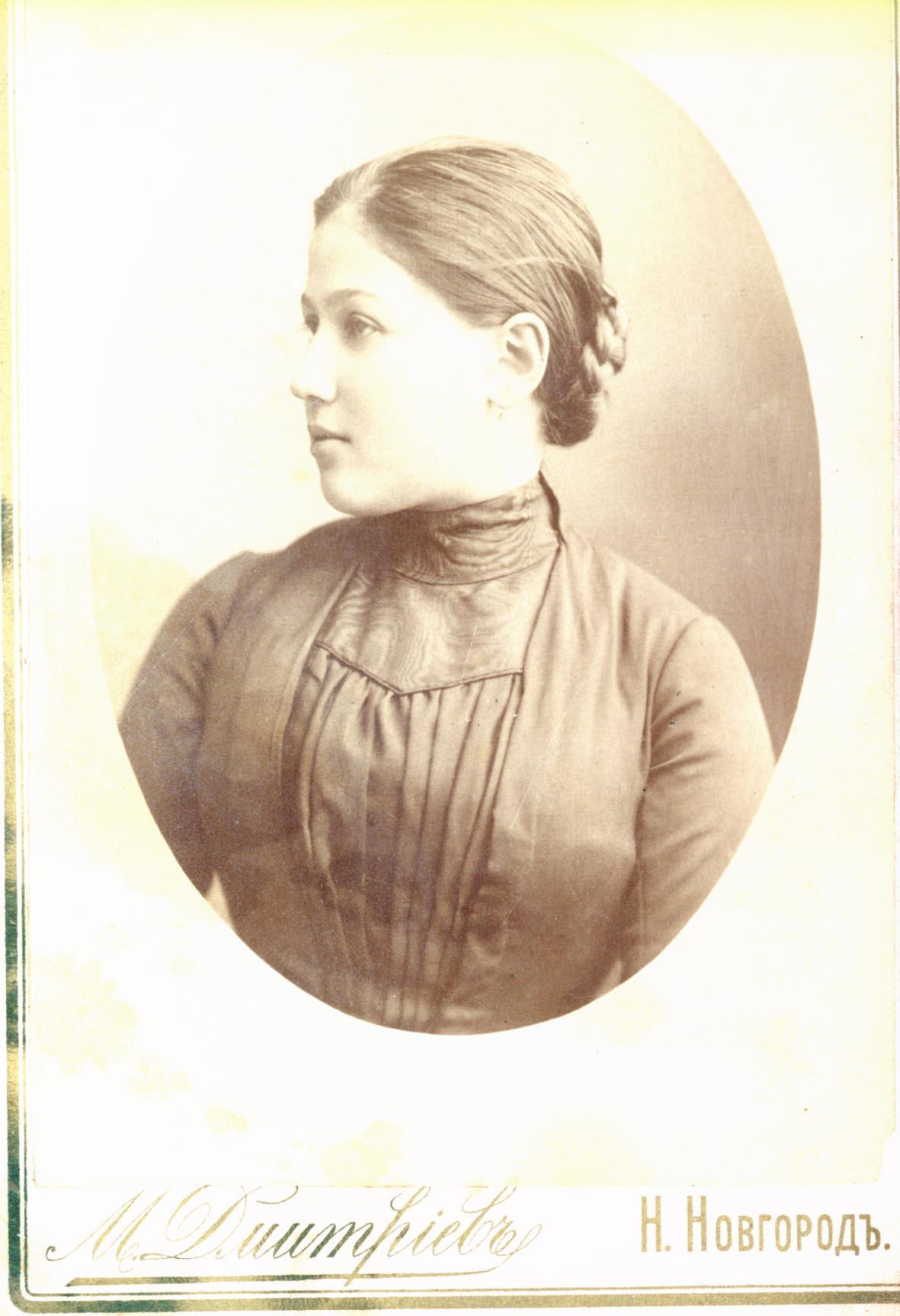 Портрет Анны Филипповны Дмитриевой, в девичестве Городецкой. 1889