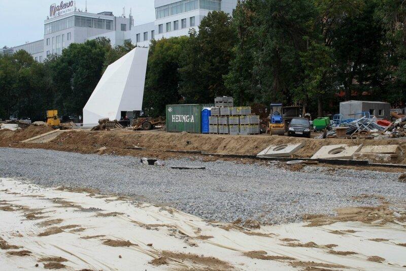 монумент и новосадовая 108.JPG