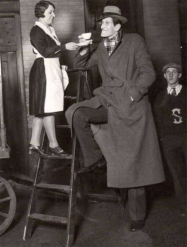 Джейкоб Реубен Эрлих (3 июля 1906 года — 18 июля 1952 года), сценическое имя Джек Эрл —