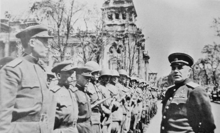 Первый военный комендант взятого советскими войсками Берлина и начальник Берлинского гарнизона генер