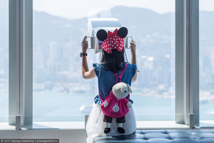 Виды Гонконга с полукилометрового небоскрёба (25 фото)