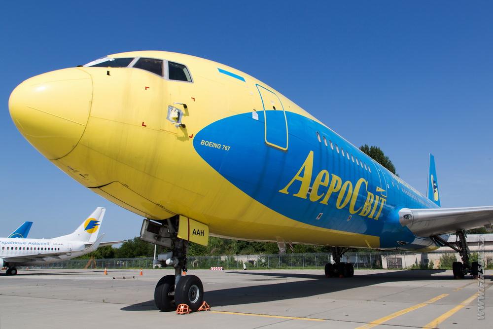 B-767_UR-AAH_Aerosvit.JPG