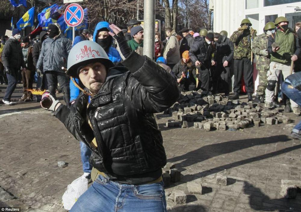 Мирные протестующие-9.jpg
