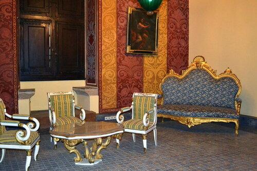 Интерьер зала Дворца магистров в Родосе