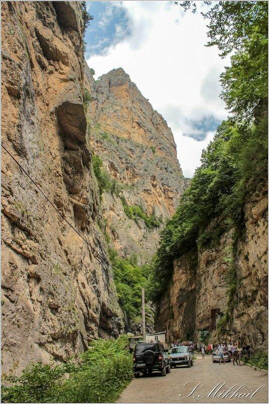 2. Чегемское ущелье - водопад. -