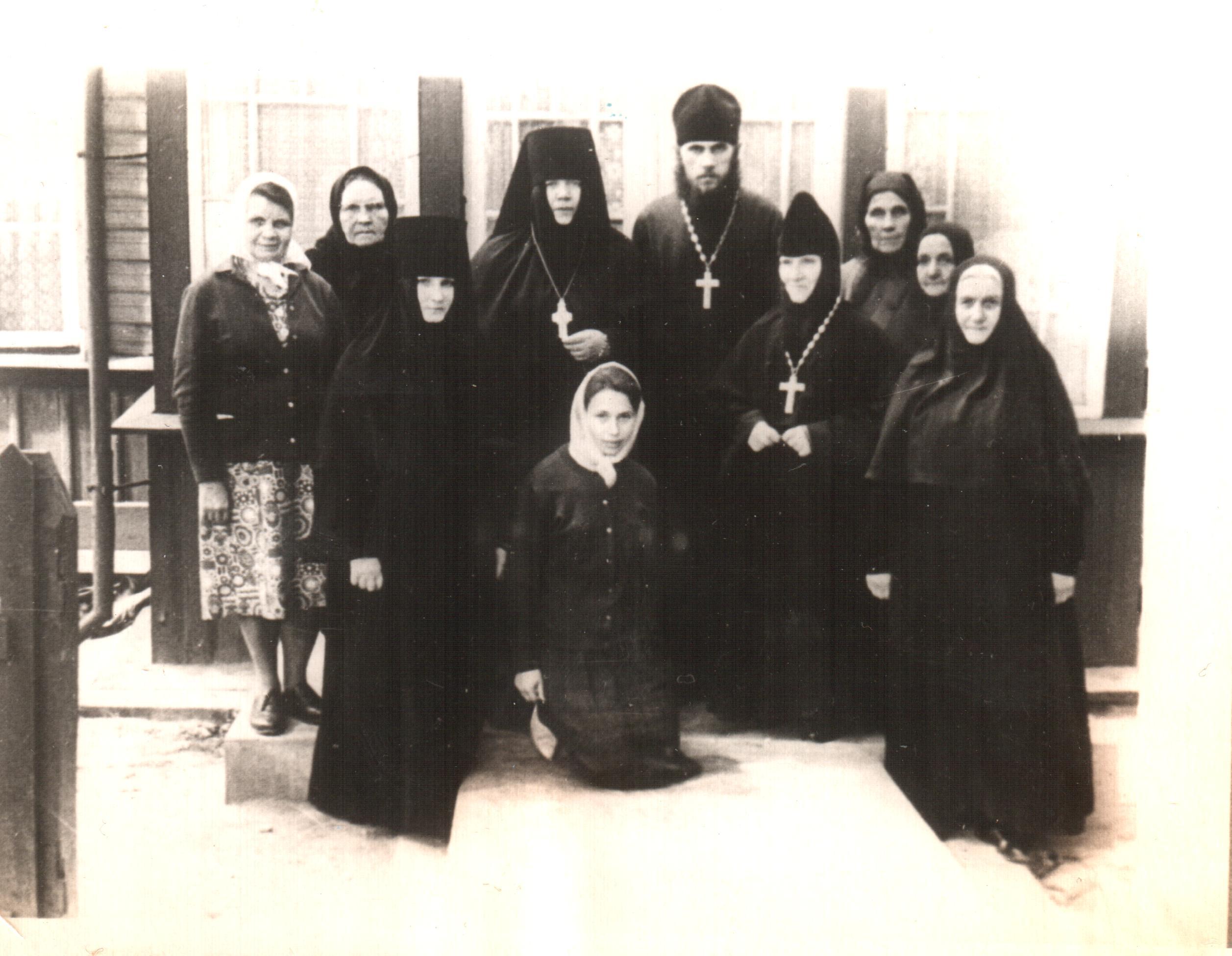 Матушка Варвара с отцом Александром