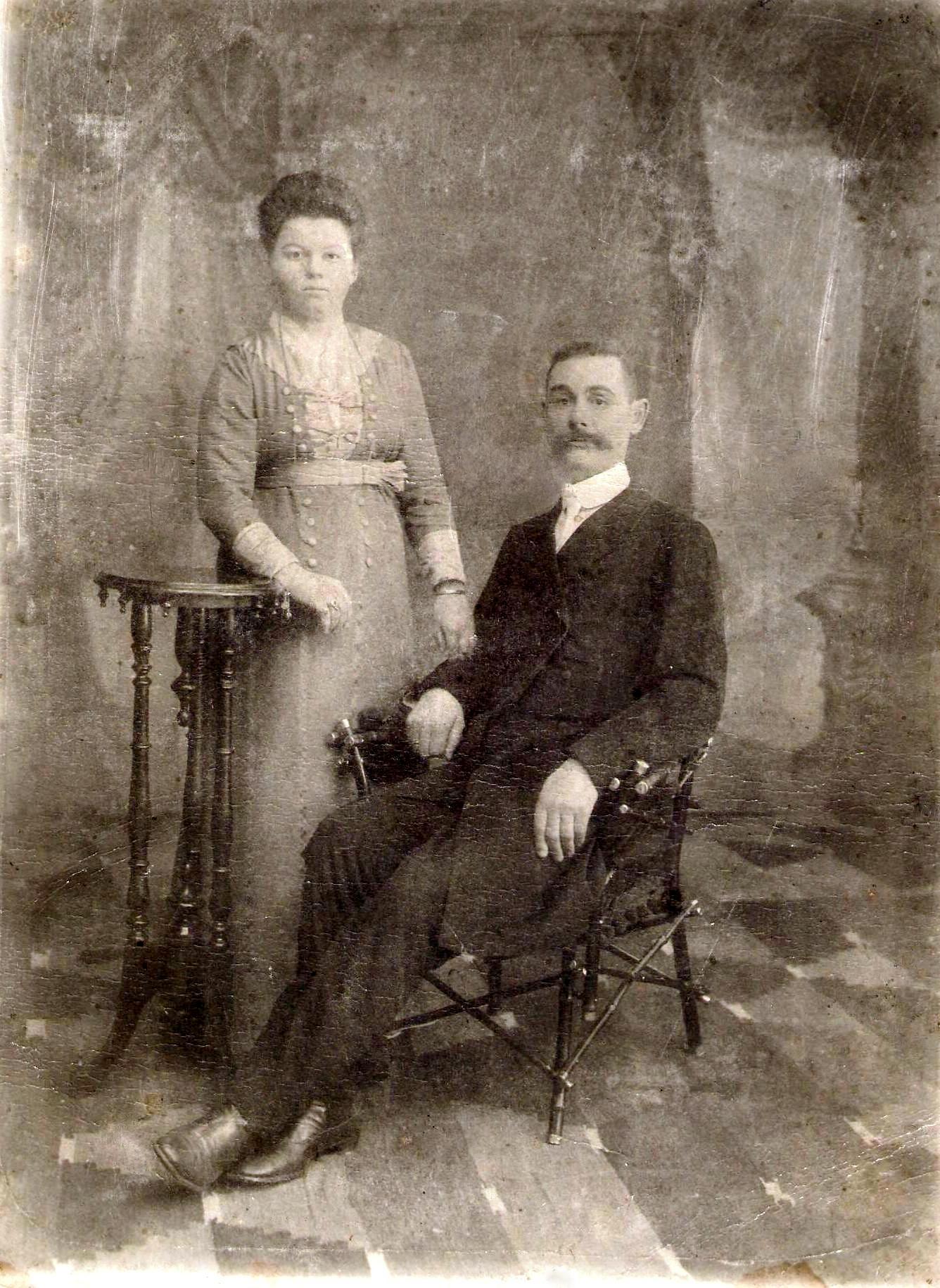 Тарский купец 2-й гильдии Денис Деев с супругой