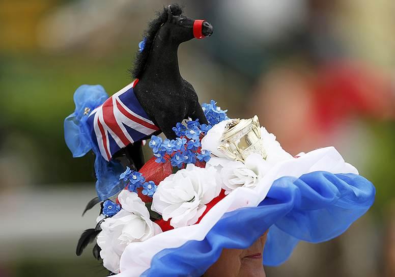 «День леди»: парад шляпок на скачках Royal Ascot 2016 0 165a2c 68cbd5cb orig