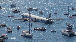 Турция затопила самолёт в море для дайвинга