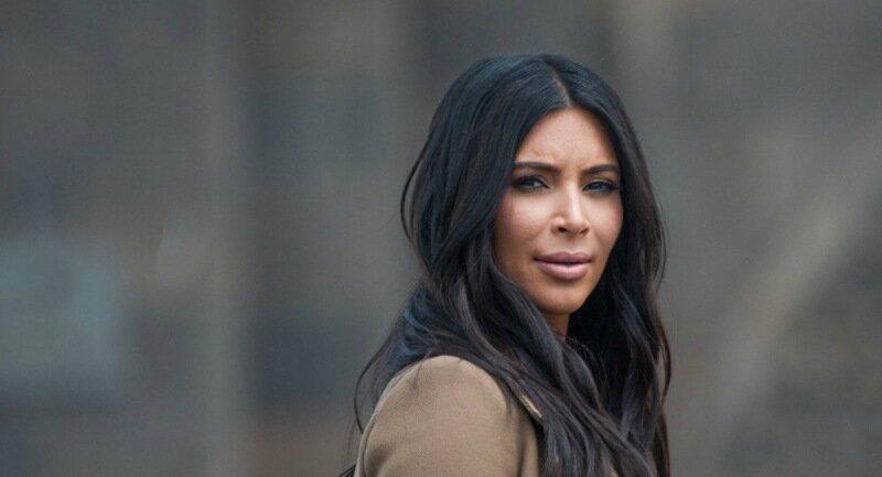 Ким Кардашьян выпустила именную серию эмоджи