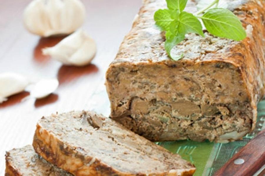 Вкусная закуска «Печёночный хлеб»