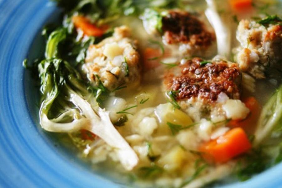 Итальянский суп из латука