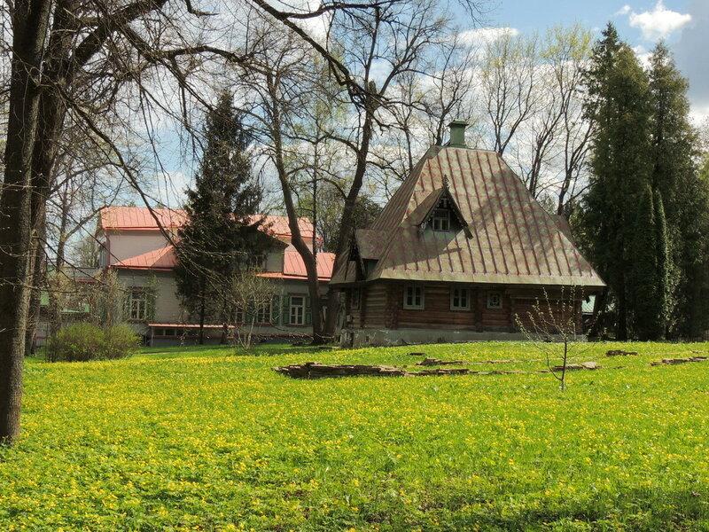 Баня-теремок и усадебный дом