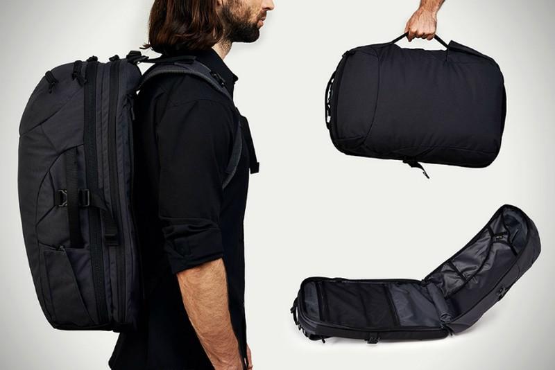 11. Вместительный рюкзак Рюкзак Minaal со множеством отсеков, отделением для ноутбука и дождевиком.